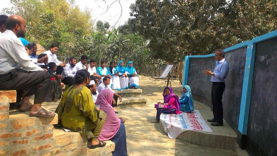Dr. Zakiul Islam at the Workshop entitled 'The role of School building and outdoor environment on children's learning' in March 2015.  Image Courtesy: Matluba Khan