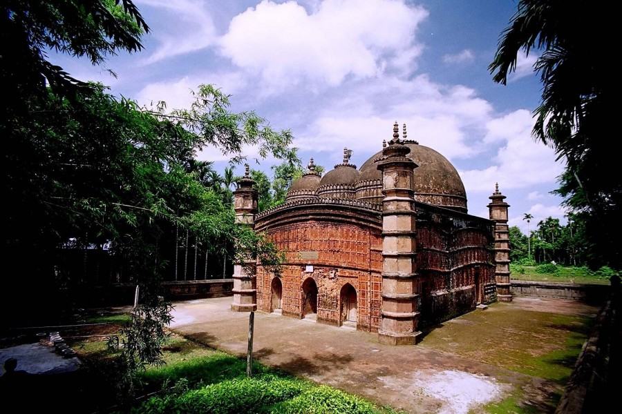 Atiya Mosque at Tangail | photo credit: Syed Zakir Hossain