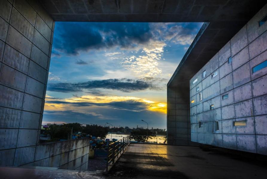 © Metropolitan Architects