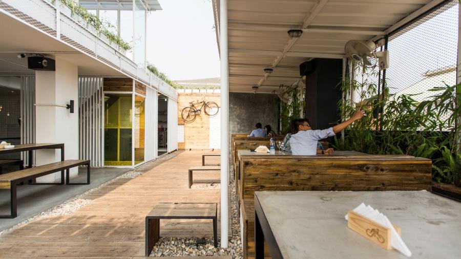 Rooftop lounge. Image Courtesy: Maruf Raihan