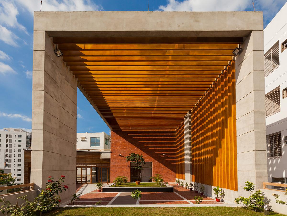 © Skeleton Architects ltd
