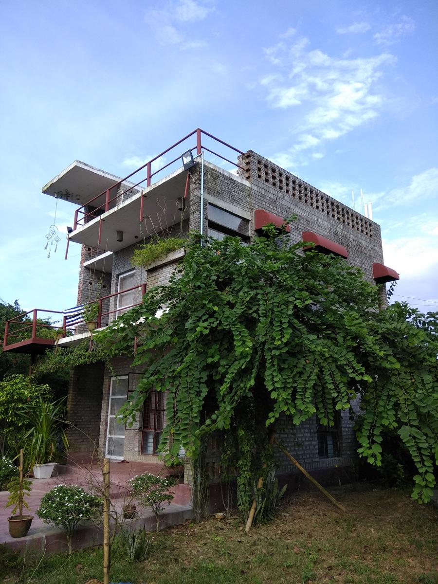 Farm house at Rajabari© Ar. Chowdhury Hysum Muhammad