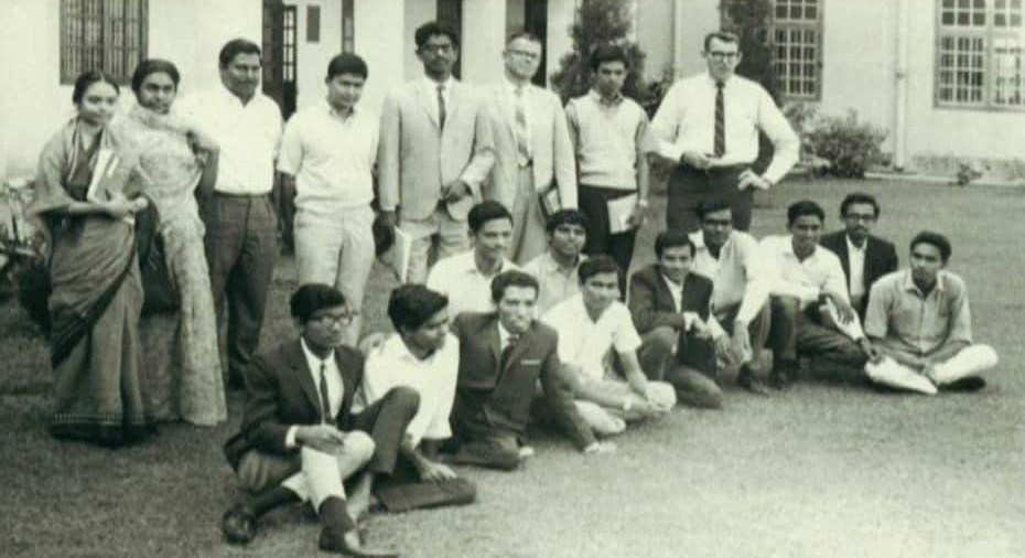 Architect Nazma Anwar with classmates at EPUET ( now BUET) in 1964. Standing Zahedul Hassan, S A Zahiruddin, Prof.R E Vrooman, Meer Mobassar Ali, Prof. Jack Yardley with the Class of first batch B.Arch (1961-66). In extreme right Mrs. Nazma Habib Anwar in along with Mrs Shaheen Westcombe (daughter of prominent politician Habibullah Bahar Chowdhury.)